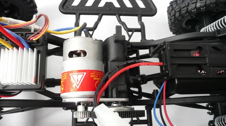 JEEP 4x4 electrico travesias 1:10 en 2.4 GHz.-9