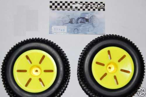 17703 - Ruedas completas monster/truggy 1:10 amarillo